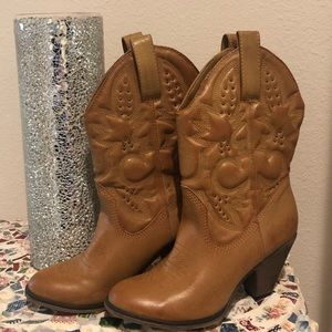 Brown Booties with a heel